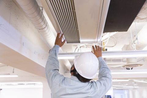 air conditioner repairer